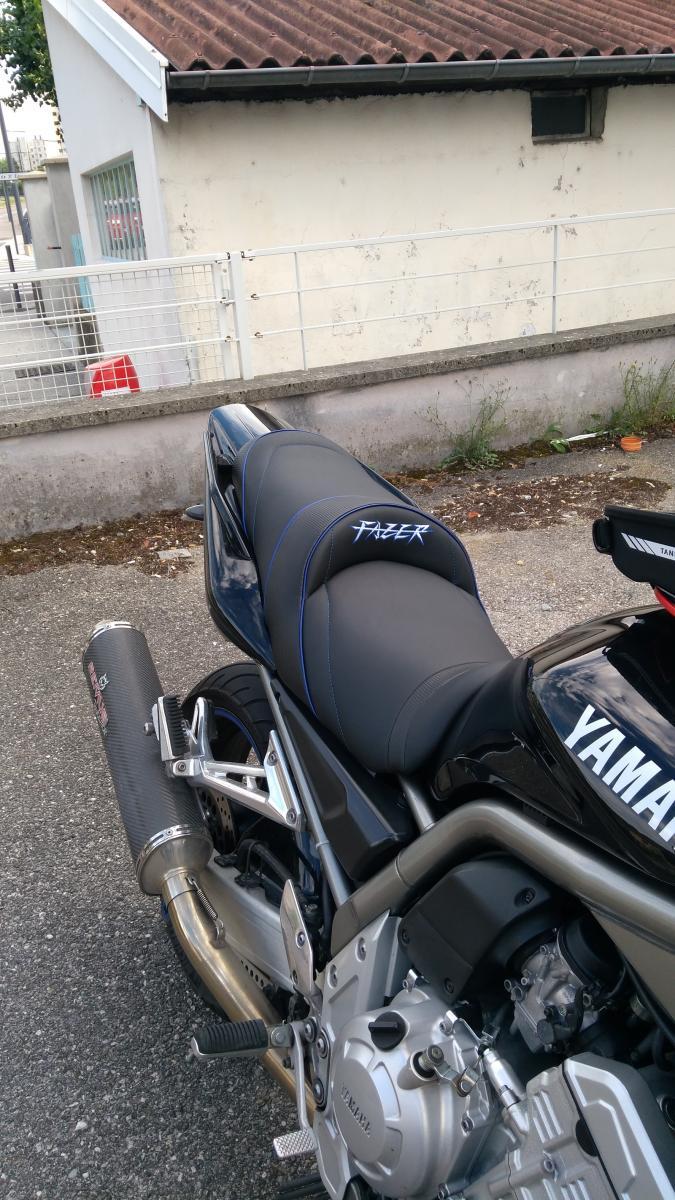 Yamaha FAZER 1000 FZS 1998-2005 Top Sellerie Seat Cover set Designer Black White
